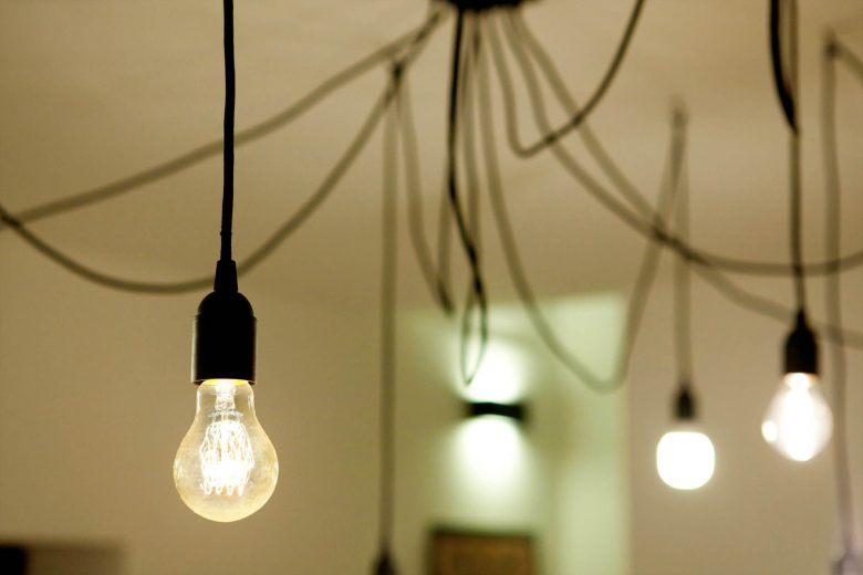 314BCN_Piscina-Sotano-Sitges-lampara-bombillas