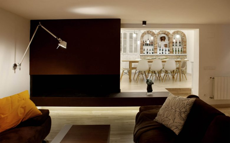 314BCN_Piscina-Sotano-Sitges-salon-rustico