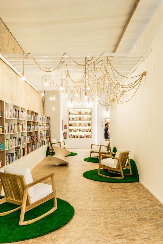 zona lectura casa del libro