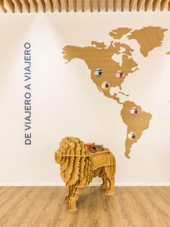 decoracion leon mapa mundi