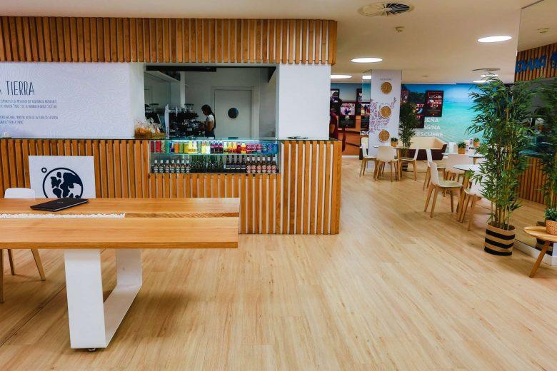 cafetería tienda agencia viajes