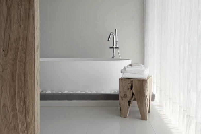 detalle taburete bañera